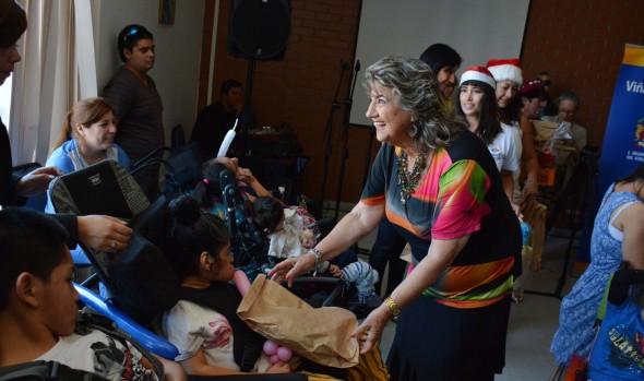 Municipalidad de Viña del Mar y FOSIS brindaron fiesta navideña a niños del Sanatorio  Marítimo