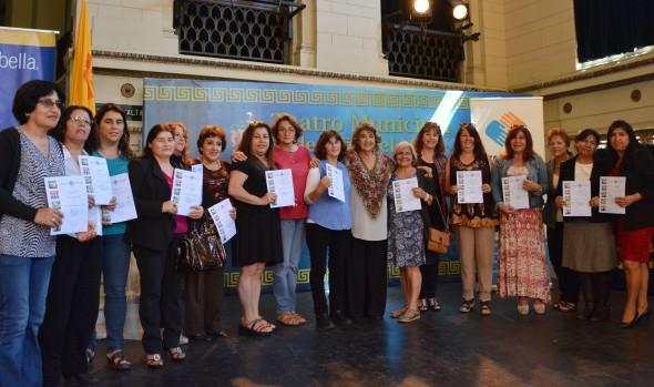 200  emprendedores viñamarinos recibieron certificaciones de capacitación de parte de alcaldesa Virginia  Reginato