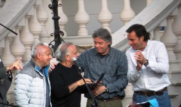 Más de mil personas cantaron junto a los éxitos de Fernando Ubiergo en un concierto inolvidable en Viña del Mar