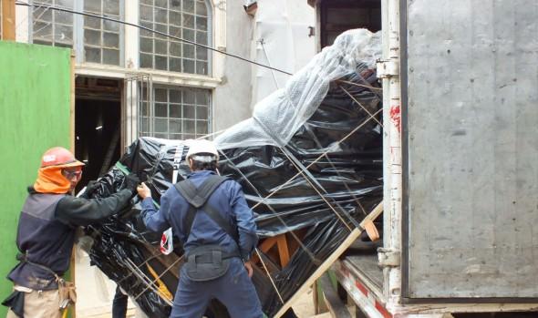 Municipio de Viña del Mar trasladó antiguos pianos del Palacio Vergara para su resguardo y protección