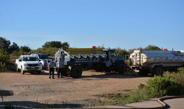 Municipio de Viña del Mar brindó apoyo con camiones aljibes en incendio de Valparaíso