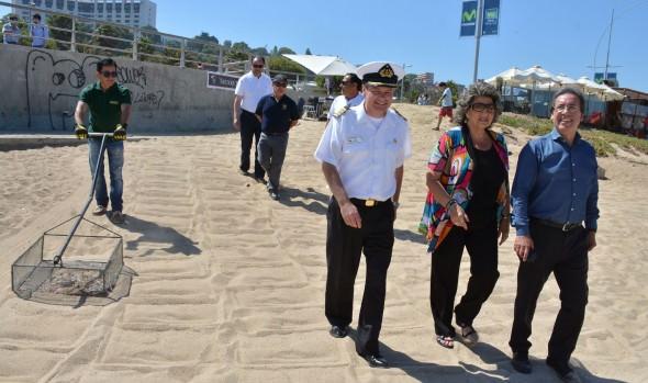 Viña del Mar presenta playas impecables para disfrutar del verano en forma segura, informó alcaldesa Virginia Reginato