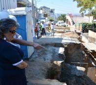 Construcción de muro para reparar socavón en Reñaca fue inspeccionado por alcaldesa Virginia Reginato