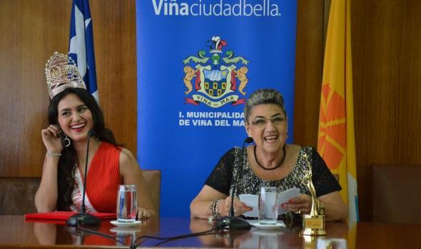 Viñamarina, elegida  Reina Mundial del turismo fue distinguida por alcaldesa Virginia Reginato