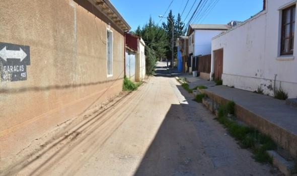 Municipio de Viña del Mar pavimentó tramo de calle Caracas en Recreo