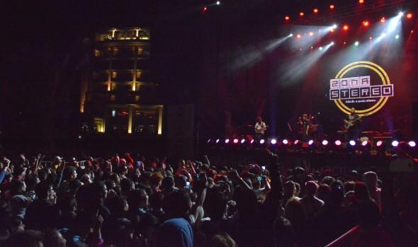 Más de 5 mil personas celebraron el Día del amor con el rock de Lucybell en Viña del Mar