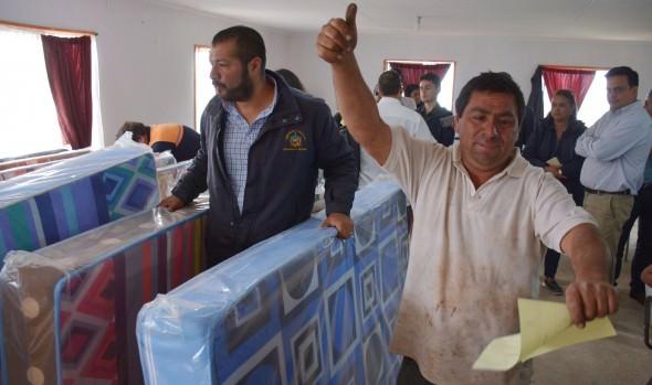 Municipio de Viña del Mar asiste a familias afectadas por incendio de ruta Las Palmas