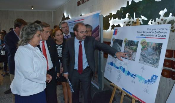 Municipio de Viña del Mar y Ministerio de Obras Públicas coordinarán acciones de limpieza en quebradas de la comuna