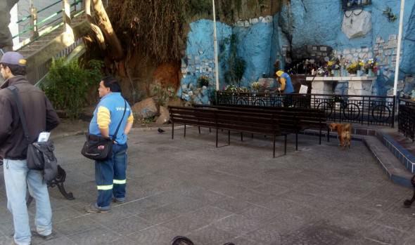 Municipio de Viña del Mar realizó operativo de limpieza en gruta Coraceros