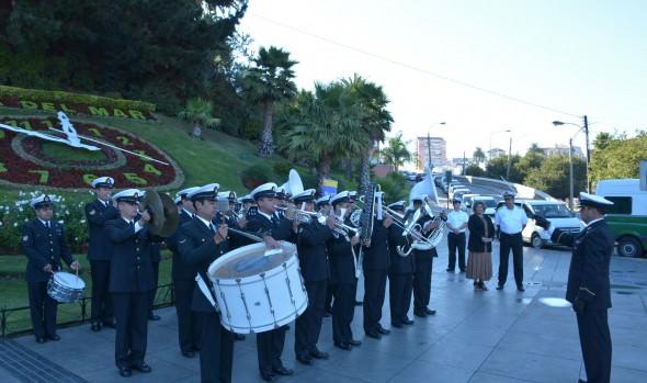 Invitación a ver presentación de concierto de los  Niños Cantores de Viena realizó alcaldesa Virginia Reginato y Armada