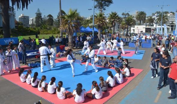 En masiva actividad física, alcaldesa Virginia Reginato presentó programas deportivos municipales 2017