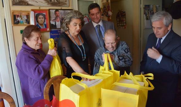 178 adultos mayores viñamarinos mejorarán su calidad de vida gracias al programa Vínculos