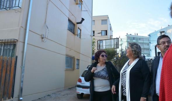 Mejoramiento de condominio social de Miraflores fueron inauguradas por alcaldesa Virginia Reginato y Seremi de vivienda
