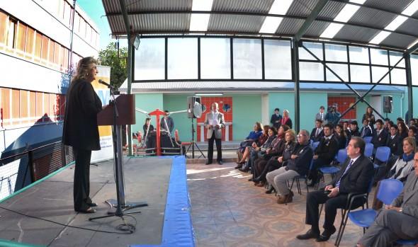 Obras de mejoramiento de Liceo Benjamín Vicuña Mackenna furo inauguradas por alcaldesa Virginia Reginato