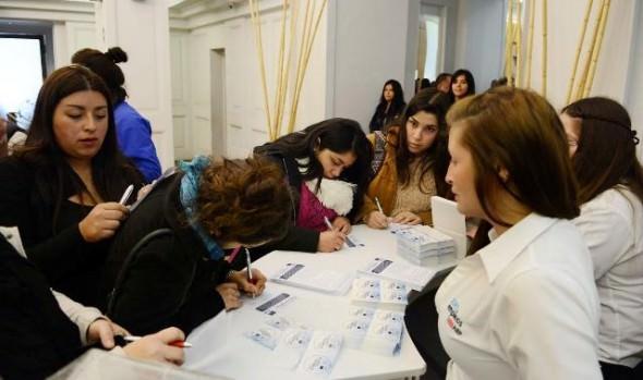 Un millar de puestos de trabajo dispondrá Feria Laboral que organizan municipio de Viña del Mar e Instituto AIEP