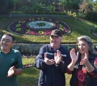 Nueva imagen y paisajismo de Reloj de flores fue recepcionado por alcaldesa Virginia Reginato