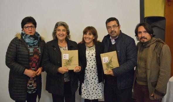 Libro que rescata memoria colectiva e historia de sector de Achupallas presentó municipio de Viña del Mar y MINVU
