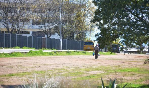 Autoridades de salud y alcaldesa Virginia Reginato informaron a vecinos avance del proyecto de SAR de Miraflor