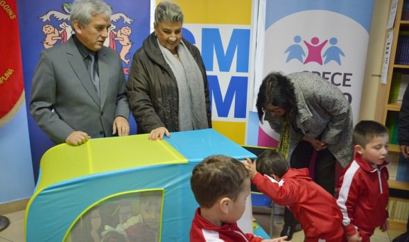 Promueven el desarrollo de niños  en etapa pre escolar de planteles  municipales de Viña del Mar con entrega de kits de Rincón de juegos