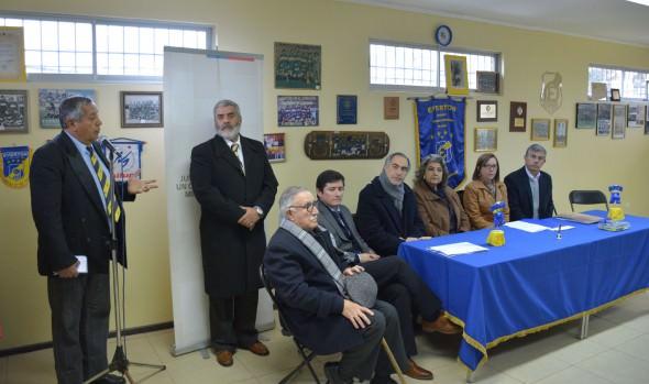 Concesión de uso gratuito de terreno donde se construirá cancha en Gómez Carreño recibió alcaldesa Virginia Reginato