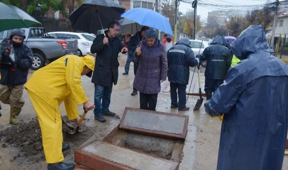 Mantención de sistema de evacuación de aguas lluvias en Viña del Mar destacó   Alcaldesa Virginia Reginato y MOP