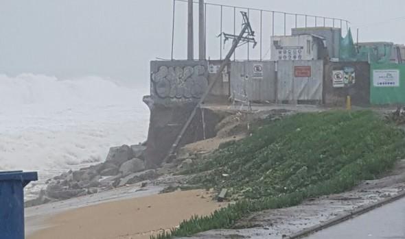 Municipio de Viña del Mar realizó balance y activó plan de contingencia por intenso sistema frontal y marejadas anormales
