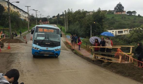 Municipio de Viña del Mar reparó socavón y restableció tránsito en El Olivar