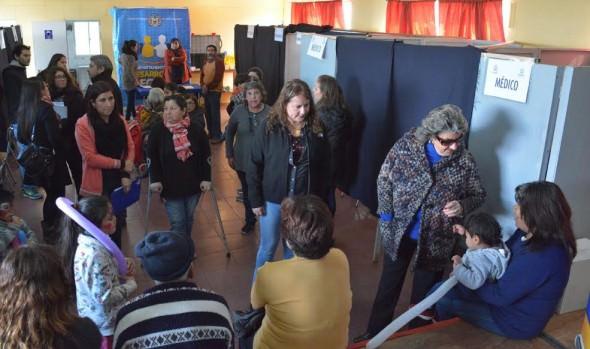 Vecinos de Villa Hermosa recibieron valioso apoyo a través de operativo social del municipio de Viña del Mar