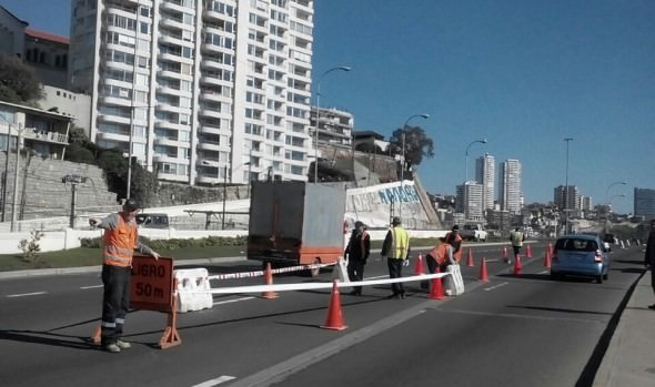 Municipio de Viña del Mar reparará bache en vía  de Puente Capuchinos