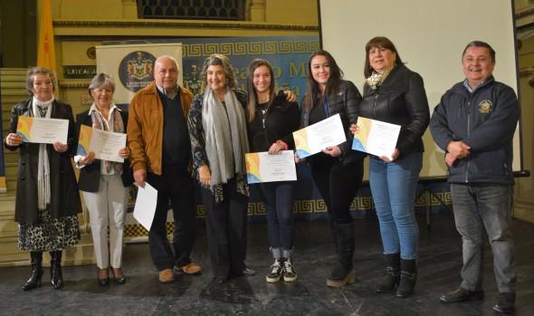 Vecinos de Viña del Mar recibieron certificación de parte de alcaldesa Virginia Reginato, sobre  cursos  de Seguridad Ciudadana