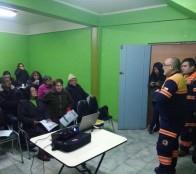 Municipio de Viña del Mar realiza  charlas en prevención de riesgos ante emergencias, a vecinos