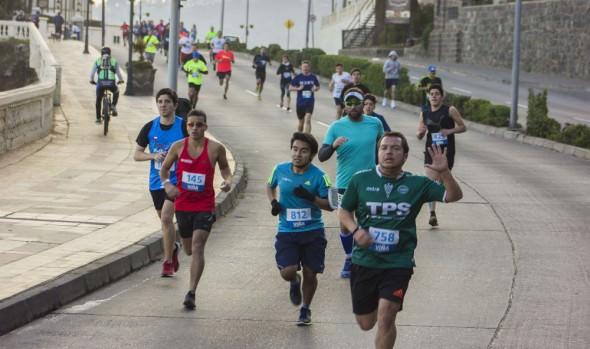 Amantes del running  combatieron el frío participando en 3ª Corrida Familiar de la Municipalidad de Viña del Mar