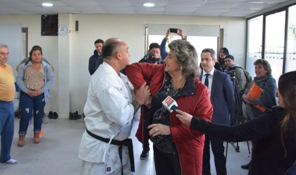 Municipio de Viña del Mar capacita a vecinos en defensa personal  para contribuir a la seguridad