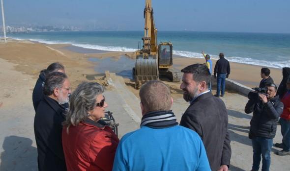 Avance de trabajos de recuperación del borde costero fueron inspeccionados por alcaldesa Virginia Reginato