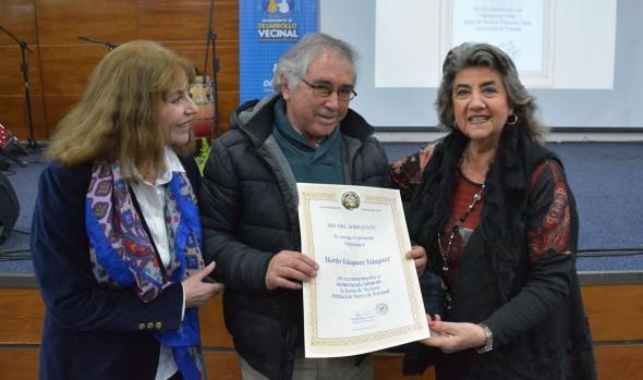 Municipio de Viña del Mar reconoció a dirigentes por su dilatada trayectoria