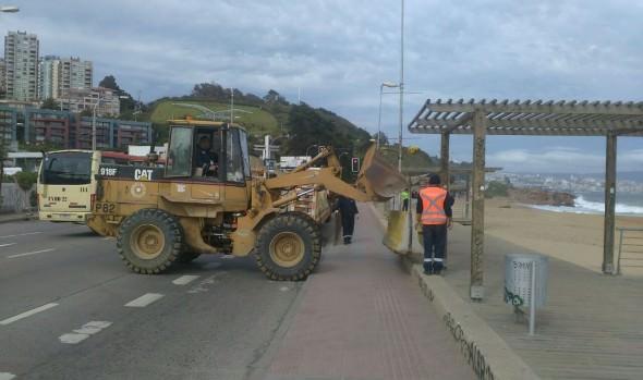 Municipio de Viña del Mar mantiene monitoreo del borde costero ante fenómeno de marejadas
