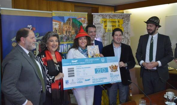 "Cámara de Comercio y alcaldesa Virginia Reginato premian a ganadores de concurso ""Viña gana doble"""