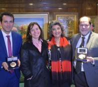 Entregan reconocimiento a alcaldesa Virginia Reginato por su labor como jefa comunal