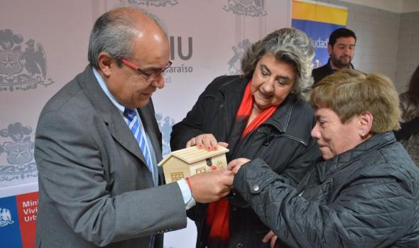 Más de 100 familias viñamarinas mejorarán su calidad de vida gracias a proyecto habitacional