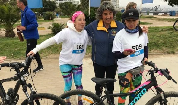Viñamarinos pedalearon contra el cáncer de mama en nueva fecha de Cicletadas Familiares