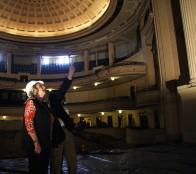 Alcaldesa Virginia Reginato destaca obras de recuperación de Teatro Municipal