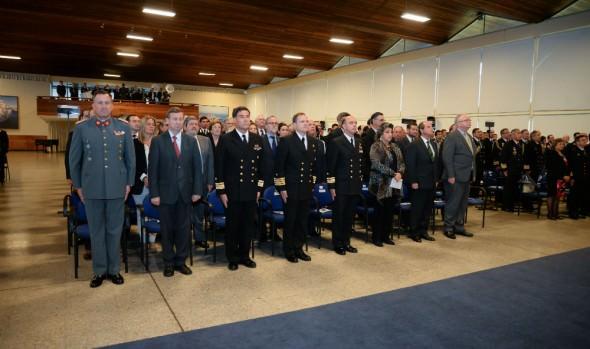 Mejor alumna graduada de Escuela Naval recibió premio Municipalidad de Viña del Mar