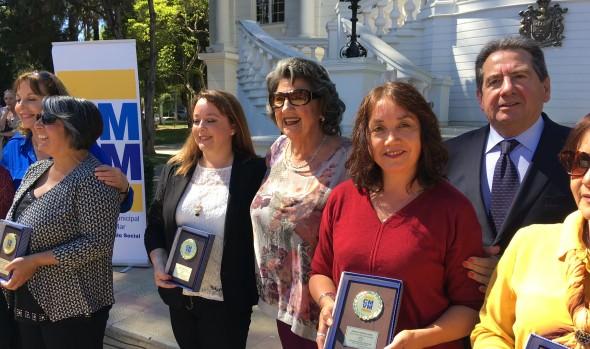 Corporación Municipal de Viña del Mar reconoció años de servicio de 155 profesores