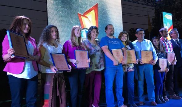 Ganadores de VIII Olimpiada interempresas y servicios públicos recibieron el trofeo de alcaldesa Virginia Reginato