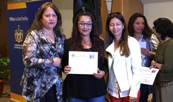 200 jefas de hogar viñamarinas se capacitaron para optimizar sus competencias laborales