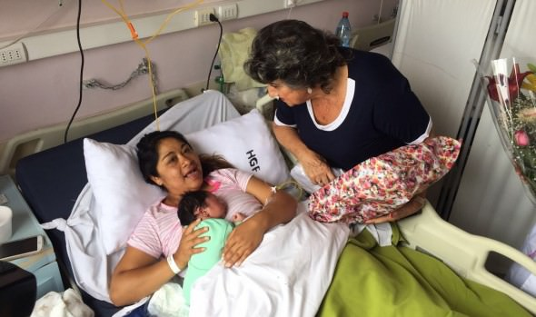 Alcaldesa Virginia Reginato visita a los primeros bebés nacidos este 2018 en Viña del Mar