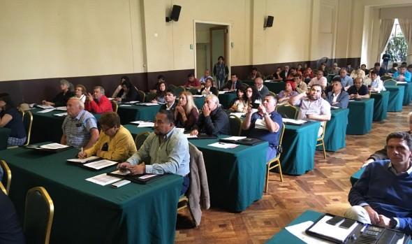 Municipios de todo Chile abordan y comparten experiencias sobre seguridad ciudadana y protección civil en Viña del Mar