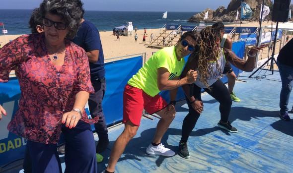 Con  la energía de la zumba se iniciaron las actividades del Festival de la Canción de  Viña del Mar 2018