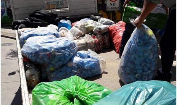 Municipio  de Viña del Mar donó mil kilos de tapas plásticas para ayudar a niños en  tratamiento oncológico