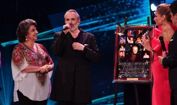 """Miguel Bosé fue reconocido como """"Artista Icono"""" del Festival de Viña del Mar"""